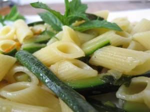 pasta light - penne zucchine
