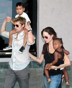 Angelina Jolie - Brad Pitt family