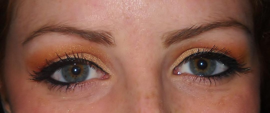 trucco occhi chiari