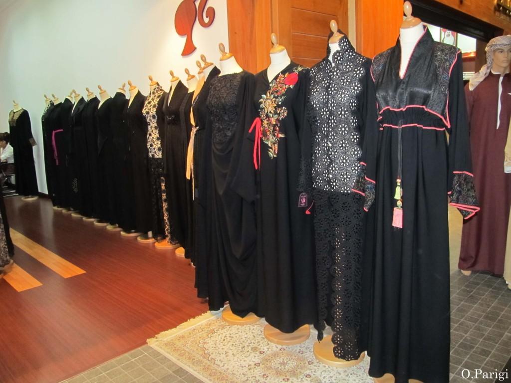 abaya neri e decorati