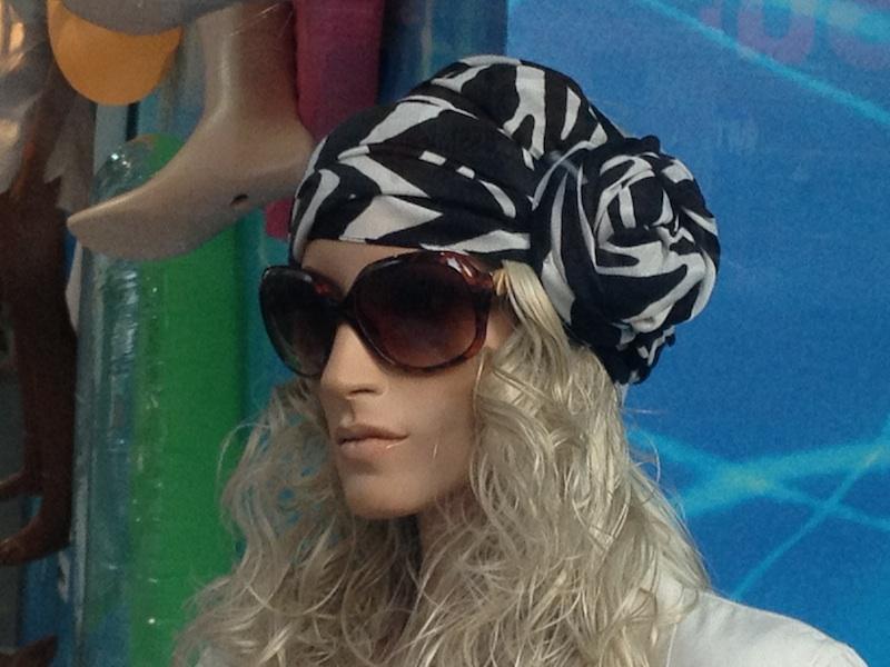 foulard bianco nero