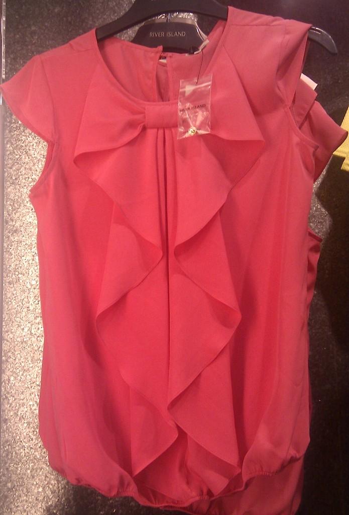 maglietta rosa con fiocco