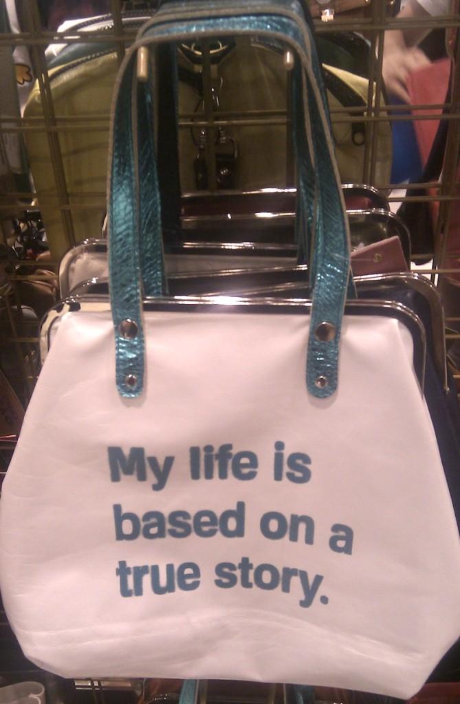 borsa con scritta bianca simpatica