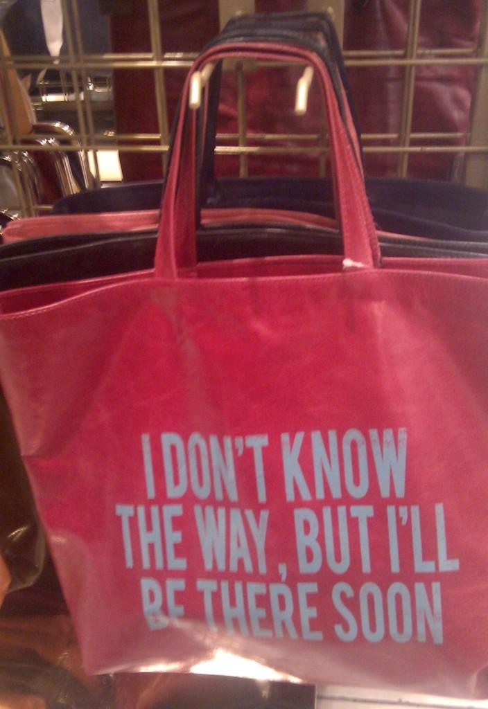 borsa rossa con manici