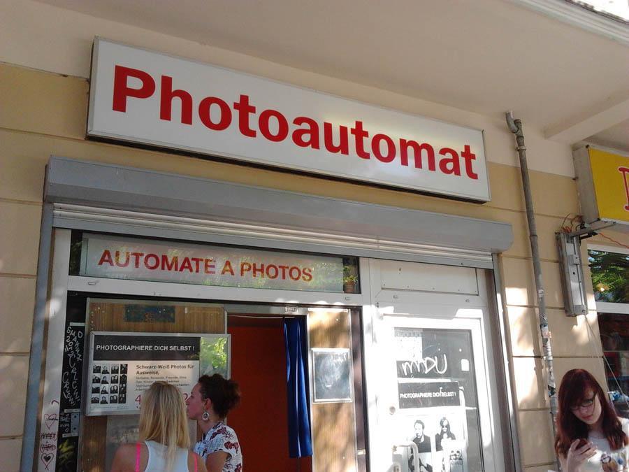photoautomat_waiting