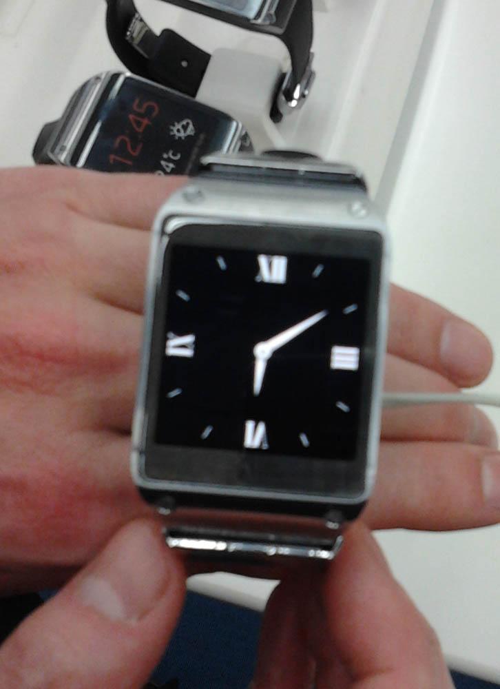 Smartwatch_smasungGalaxyGearSilver