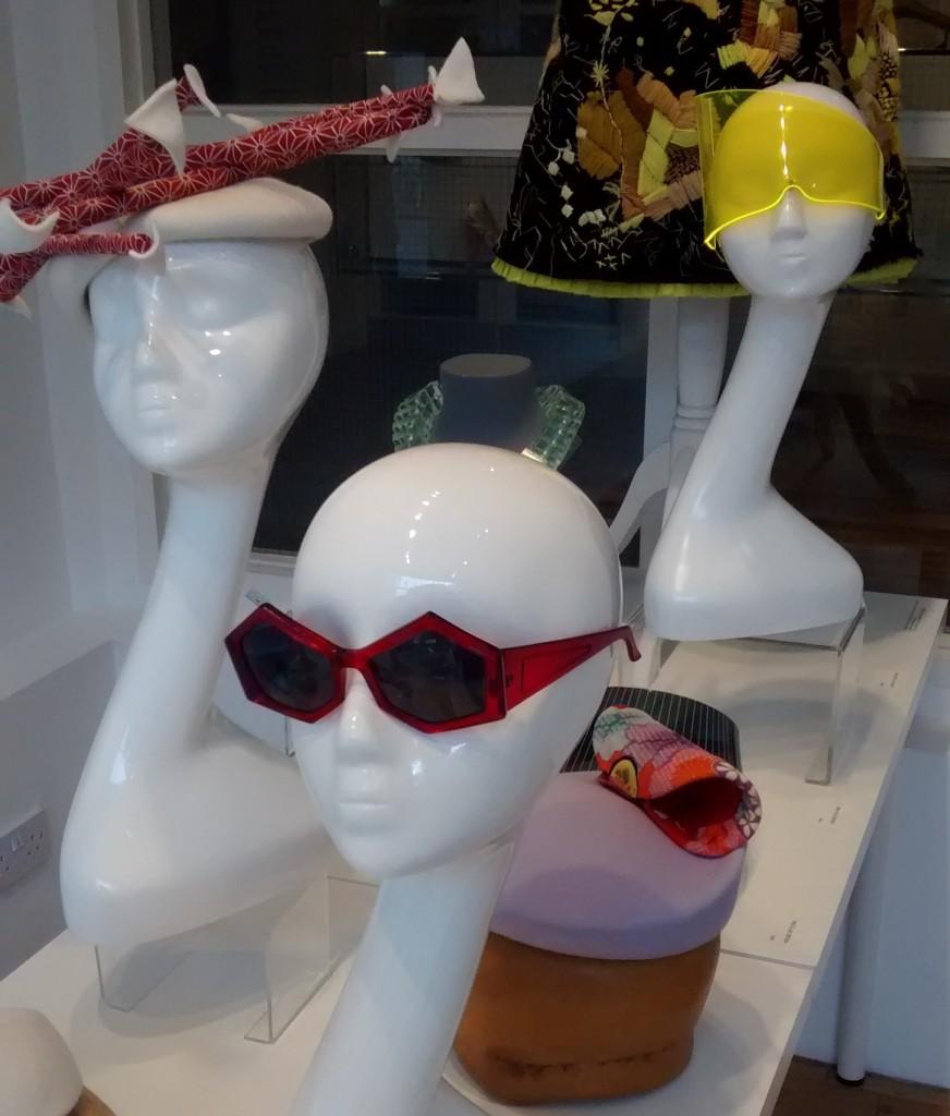 occhiali da sole estrosi