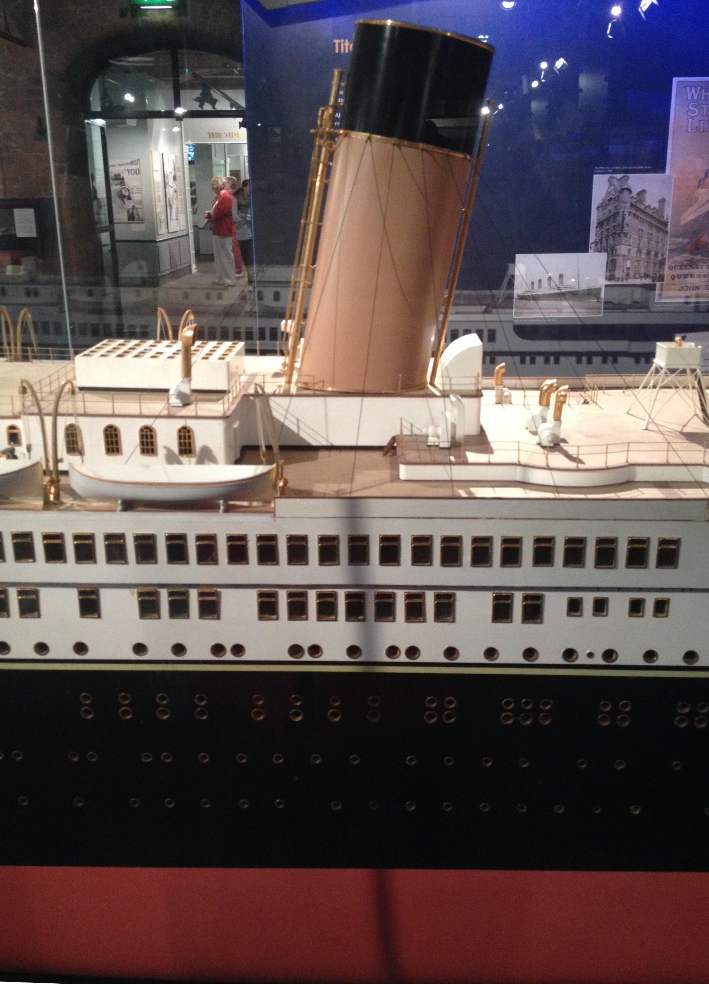 particolare ponte scialuppe salvataggio titanic