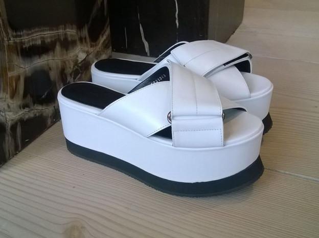 sandali alti bianchi