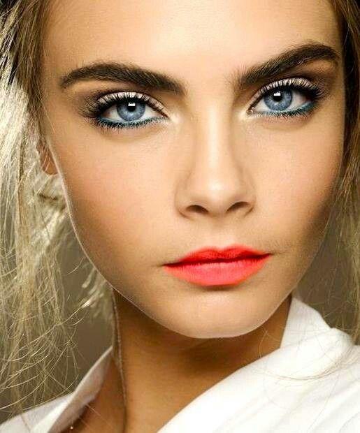 Tutorial make-up per occhi azzurri