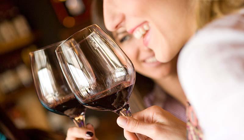 bere vino rosso lifestyle