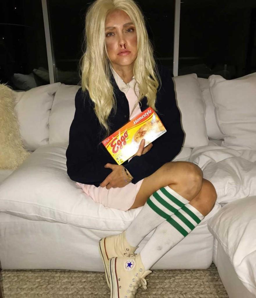 maschere e costumi di carnevale 2018. Chiara Ferragni come Eleven di Stranger Things. Foto di Chiara Ferragni, Instagram.